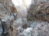 Blick hinunter zum vielleicht einzig richtig guten Biwakplatz in der Route am Ende von SL 24