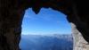 Blick aus dem höhlenartigen Kamin der Seillänge 30