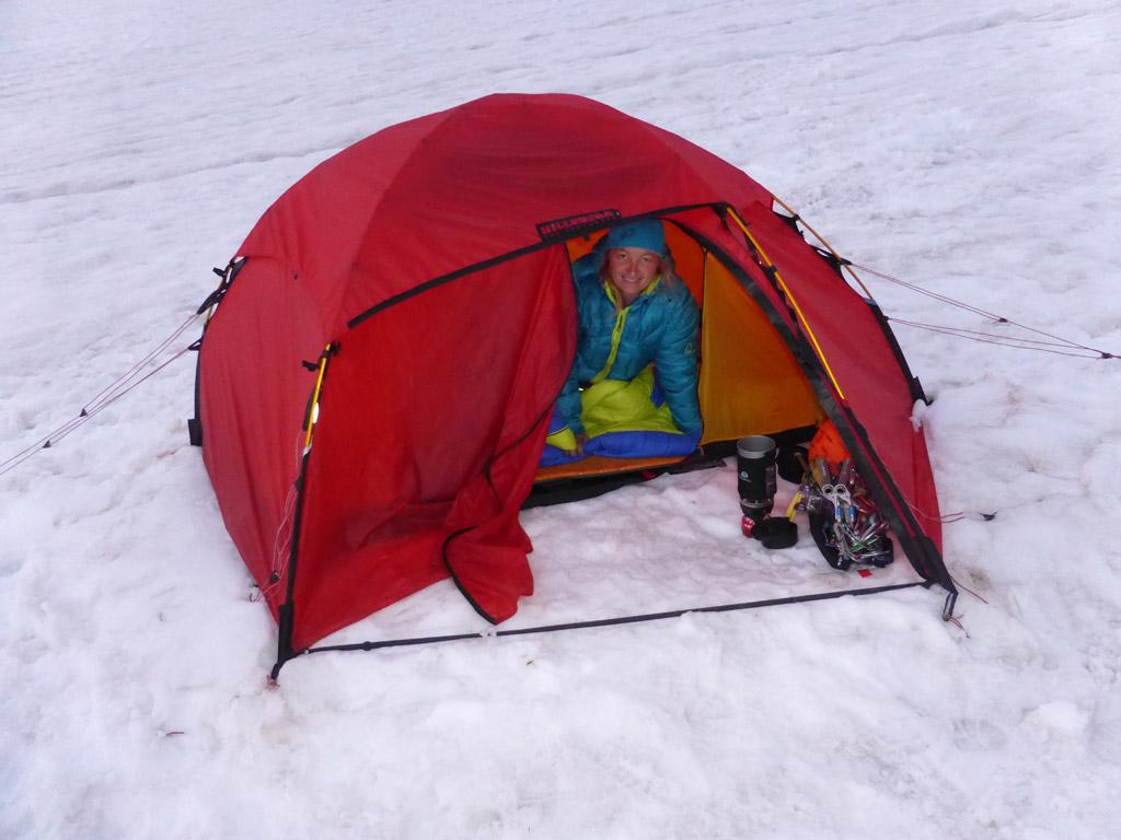 Wir bereiten uns auf eine weitere Nacht am Gletscher vor