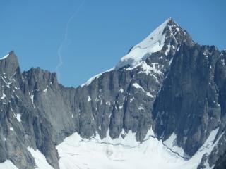 Mont Dolent mir Westwand und Nordgrat