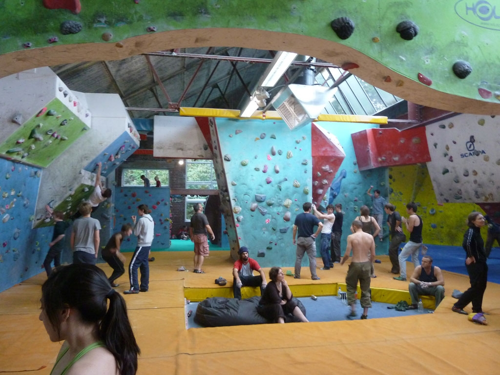 Riesige Boulderhalle in Sheffield: Climbing Works