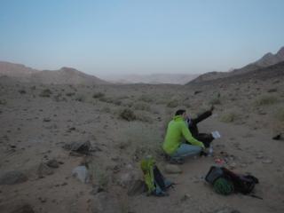 Salim gibt Tipps für Jebel Rum W-O-Traverse