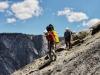 Mit schwerem Gepäck beim Abstieg - Foto by Peter Rauscher